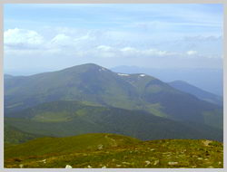 Гора Петрос(2,020 м.). Вид с г.Говерла