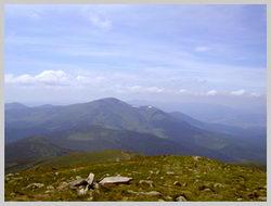 Часть маршрута с.Лазешина- г.Петрас. Вид с вершины г.Говерла