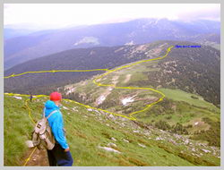 Обратная дорога в турлагерь. Вид со склона г. Петрас (Юго-Восточное направление)