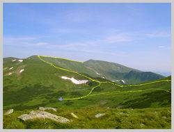 Черногорский Хребет. Озеро Несамовытное и вершина г.Ребра