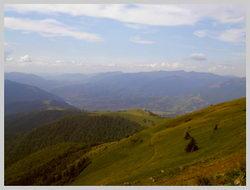 Внизу п.Колочава. Вид с вершины г.Топас